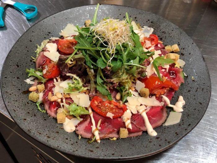 Nieuwe salades op de menukaart